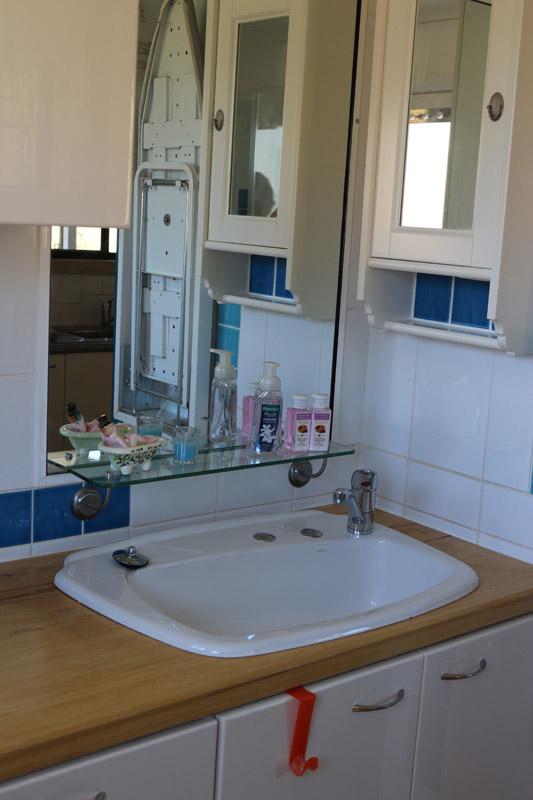 magenta-cottage-tumbarumba-bathroom-_-1