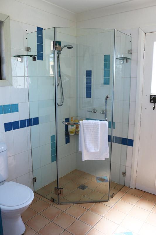 magenta-cottage-tumbarumba-bathroom